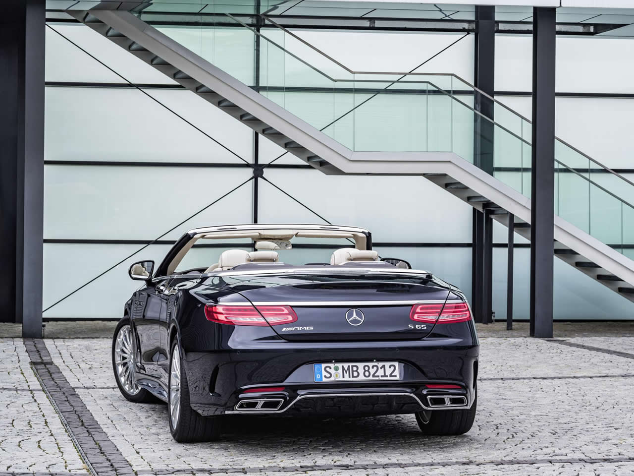 Mercedes benz s class amg cabriolet buying guide for Mercedes benz 550 amg