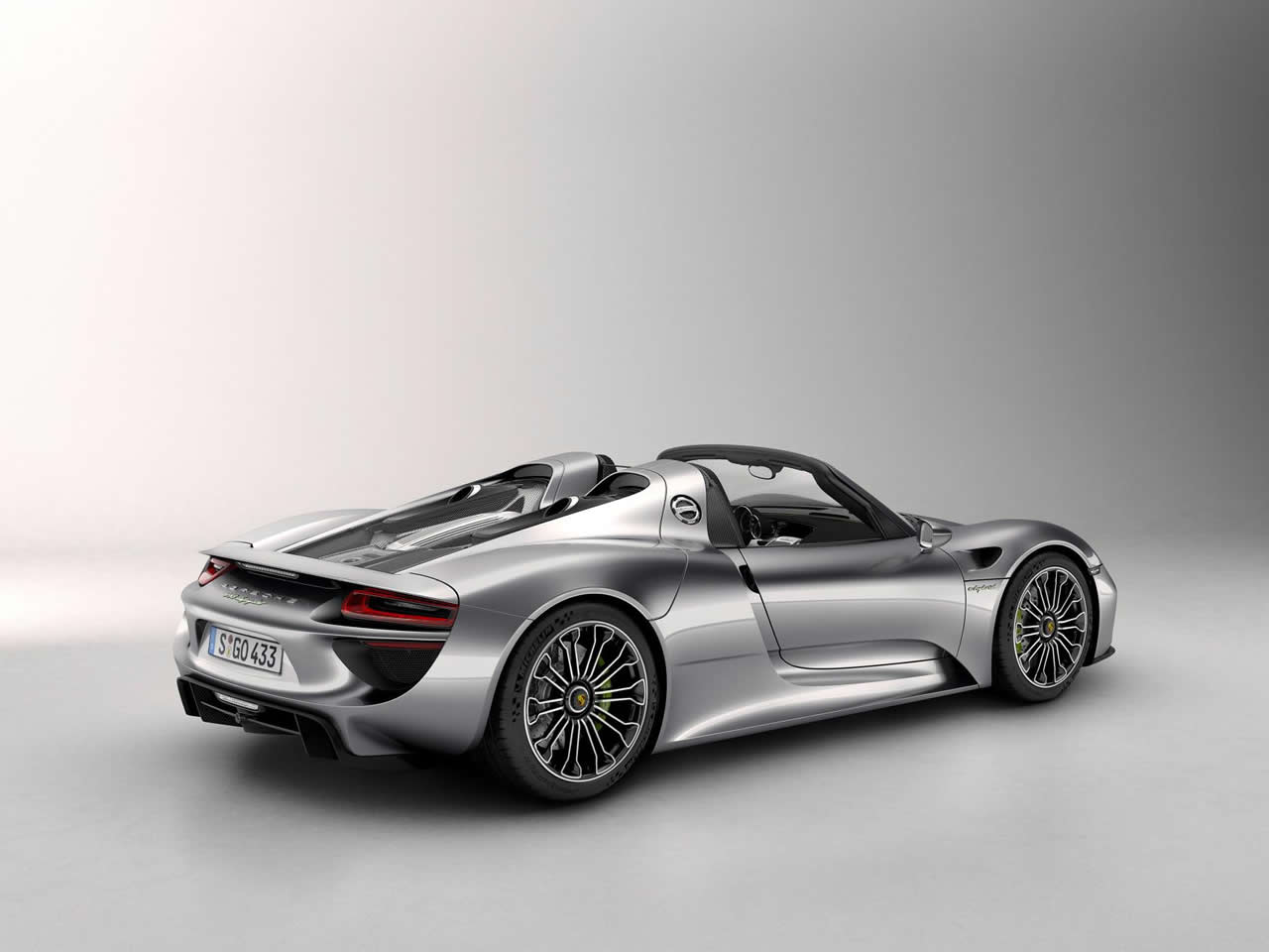 download wallpaper images of the porsche 918 spyder by. Black Bedroom Furniture Sets. Home Design Ideas