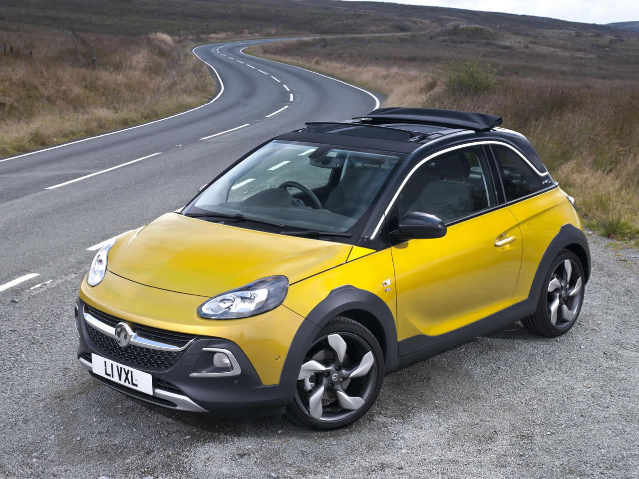 vauxhall opel adam rocks air buying guide. Black Bedroom Furniture Sets. Home Design Ideas