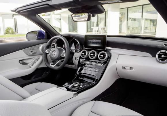 Mercedes C-Class Cabriolet interior